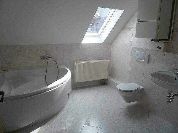 gemütliche 3-Raum-Maisonette - Bad
